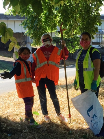 Sara from Solve and her crew lending a hand!